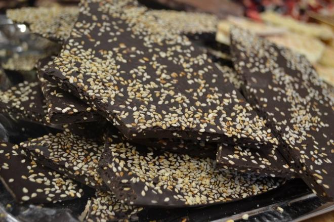 72% tmavá sezamová čokoláda