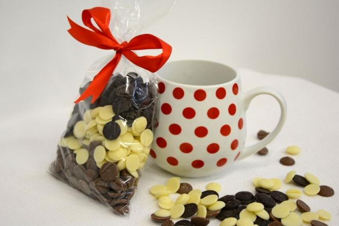 Hrníček s mixem čokoládových čoček