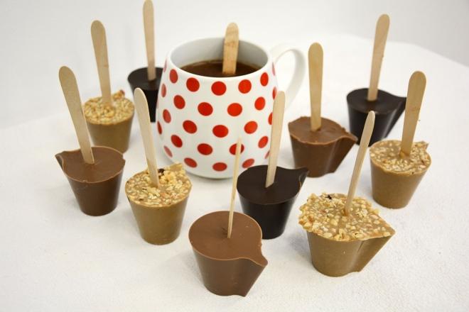 Hrníček se třemi druhy horké čokolády